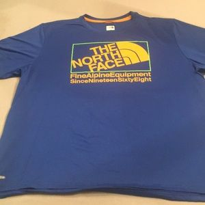 AWESOME moisture wicking North Face tee!